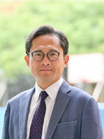 Portrait of Teacher 「Kuen-Chang Lee」